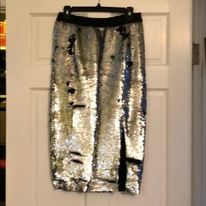 Two way sequin silver and black mid skirt w/slit